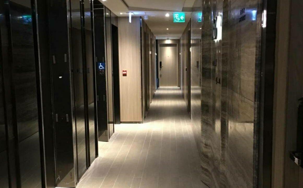 映御電梯大堂